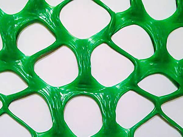 extruded plastic mesh for flight pens and bird netting