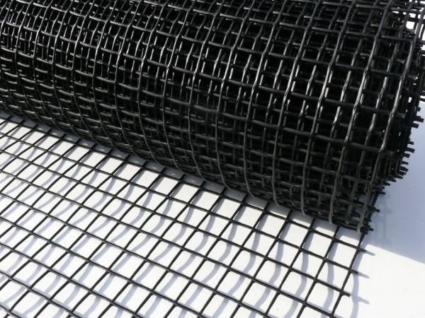 Plastic Square Mesh With Various Sizes Is Used In Food Road